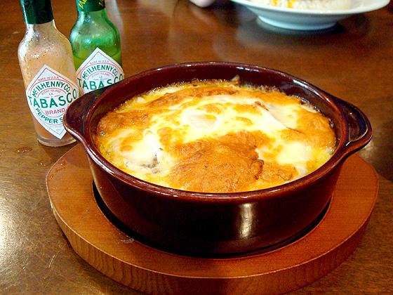 295【神宮前】絶品キーマにチーズと玉子をプラス!「MOKUBAZA(モクバザ)」
