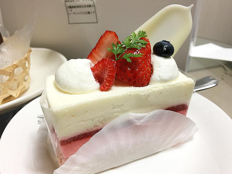 393【江坂】8年ぶりの感動ケーキ!「パティスリー シロ・デラブル」