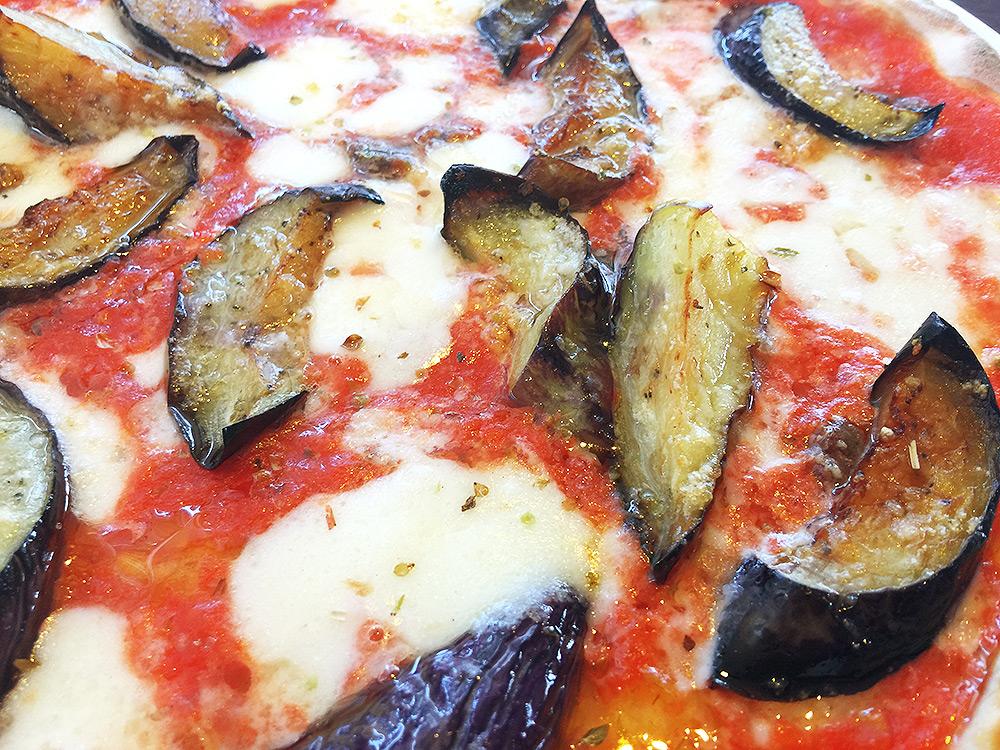 Pizzeria04