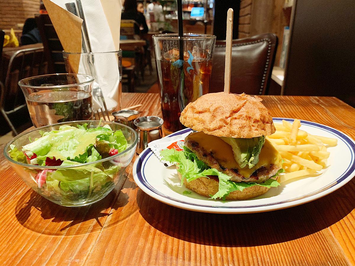 bluebookscafe07