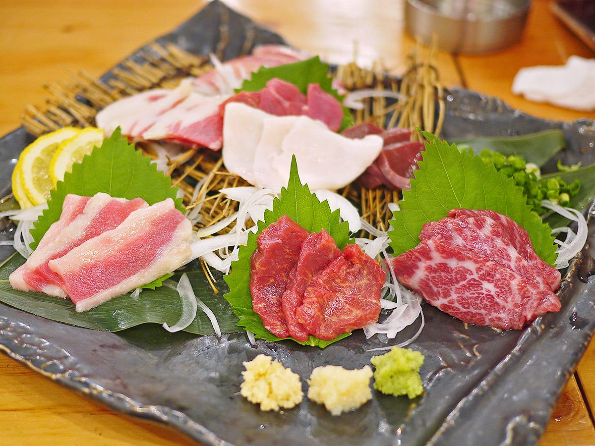 564【福岡・西新】馬肉好きには堪らない!馬料理が堪能できる「大衆馬肉酒場馬王(ばおう)」