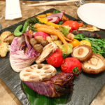 568【代々木上原】季節野菜たっぷりの独創的なピッツァがいただける「en boca エンボカ 東京」