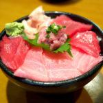 590【静岡・清水】丼・定食・天ぷら…鮪や海鮮づくしな活気のある人気店「みやもと 河岸の市店」