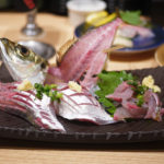 深海魚水族館の目の前で深海魚を食べられる回転寿司「活けいけ丸」@沼津港