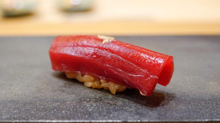 子連れOK、酸味の効いたシャリとパフォーマンスの【寿司 赤酢 赤坂】